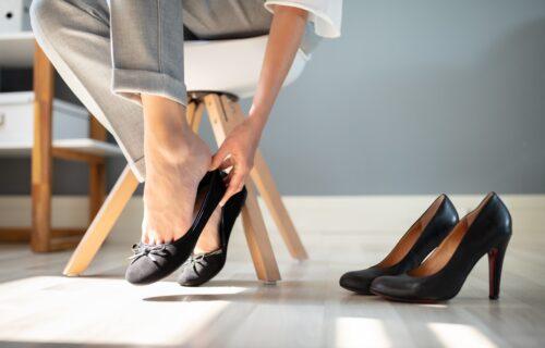 Držite noge u lavoru 15 minuta: Četiri PRIRODNA načina da se rešite BOLOVA od žuljeva na stopalima