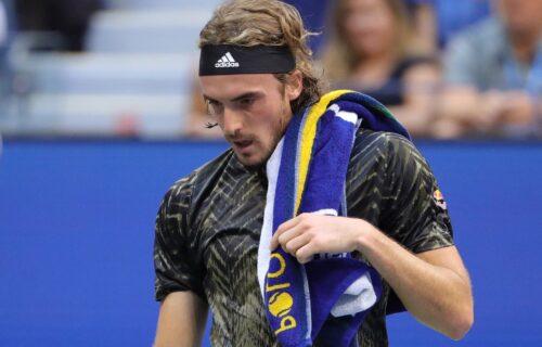 Treći teniser sveta ponovo na udaru javnosti: Cicipas pokušao da se opravda, pa uvredio žene!