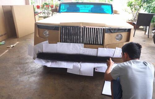 Napravio Rolls-Royce od KARTONA! Neobična limuzina juri 50 na sat i nema joj ravne (VIDEO)