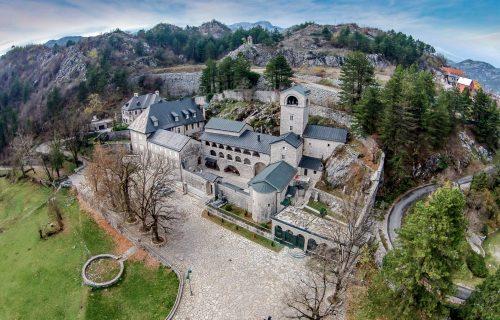 """Obmanjivali i lagali građane"": Cetinjski manastir postao DRŽAVNI, umesto da ga VRATE SPC"