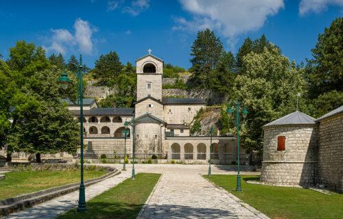 SKANDALOZNA odluka: Odbijen zahtev da Cetinjski manastir postane svojina Srpske Pravoslavne Crkve