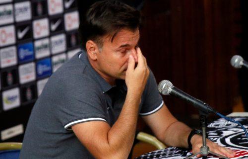 Stanojević zaplakao na susretu sa navijačima: Trenera Partizana slomile emocije (VIDEO)