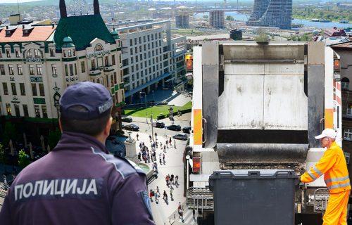 Napad na Terazijama: Nosio ikonu i prosio po ulici, pa UDARIO U GLAVU radnicu Gradske čistoće