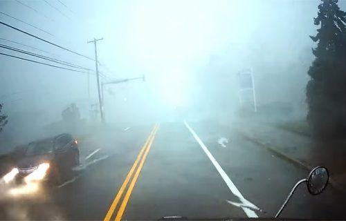 Ovako izgleda kad kamionom uletite u TORNADO: Snimak kao iz horor filmova (VIDEO)