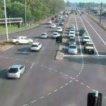 Čudo u Australiji! Izgubila kontrolu nad kolima i presekla DEVET traka bez sudara (VIDEO)