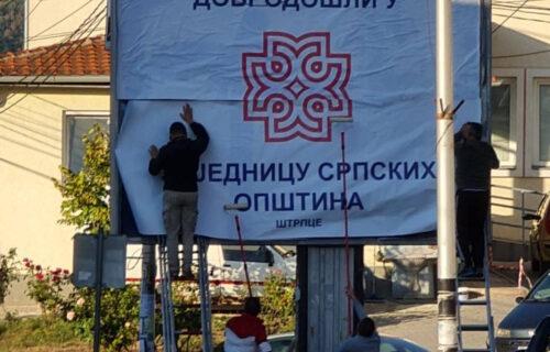 """Nikao natpis """"Dobrodošli u Zajednicu srpskih opština"""" i u Štrpcu! Srbi odolevaju uprkos pritiscima (FOTO)"""