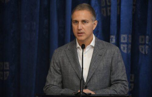 Ministar BRŽI od atletičara: Evo kako Stefanović BEŽI od pitanja novinara (VIDEO)