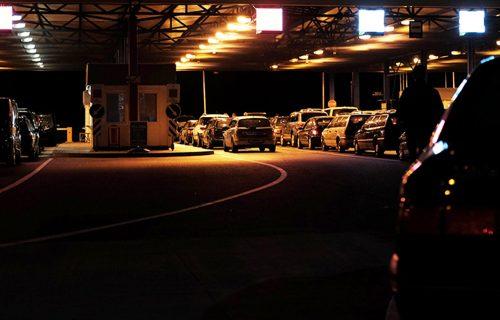Ogromne GUŽVE na granicama: Na Šidu kamioni čekaju SEDAM sati, na Kelebiji četiri