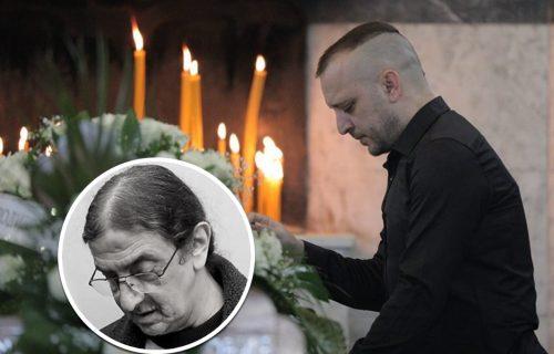 Oglasio se Zoran nakon očeve SAHRANE: Otkrio zašto majka Zorica nije došla, pa pomenuo malu Janu (FOTO)