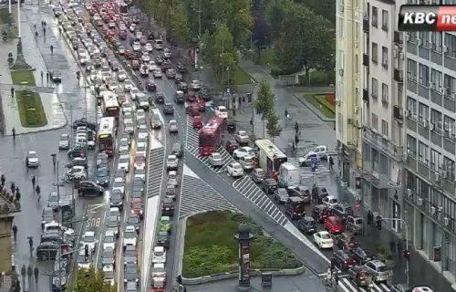KOLAPS u Beogradu: Zbog gužvi u saobraćaju blokiran grad - evo gde je trenutno najveće zakrčenje (FOTO)