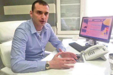 """""""Častim 150.000 evra grčkog ministra ako hotelijeri vrate pare SRBIMA"""": Direktor Travellenda o vaučerima"""