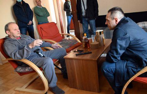 UHAPŠEN razbojnik sa Zvezdare: Ministar Vulin obišao opljačkanog starca kojem je lopov oteo 245.000 dinara
