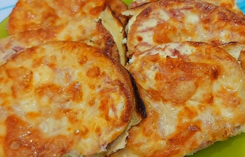 Doručak koji svi obožavaju: Sočni topli sendviči sa salamom i kačkavaljem (RECEPT+VIDEO)