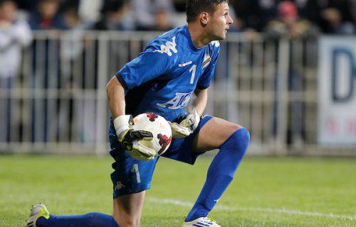 Haos na utakmici u Srbiji: Golman tražio sudiji da ga isključi, pa osam minuta odbijao da napusti teren