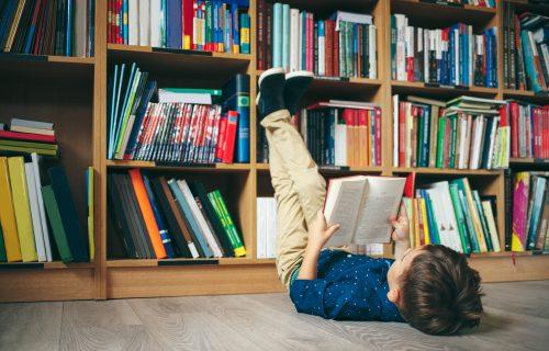 Pomozite vašim mališanima: Motivišite dete da pročita LEKTIRU