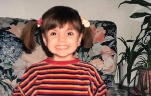Ova preslatka devojčica je ĆERKA legendarnog pevača: Jedan DETALJ na fotki posebno privlači pažnju (FOTO)