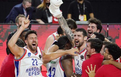 Dominacija šampiona Evrope: Efes pregazio ljutog rivala sa 46 razlike u istanbulskom derbiju!
