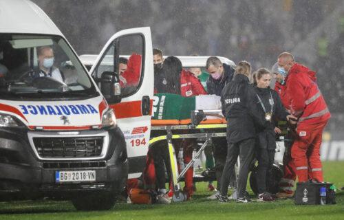 Srbija se zaledila kada je fudbaler pao na zemlju: Otkriveno u kakvom se stanju nalazi igrač Flore