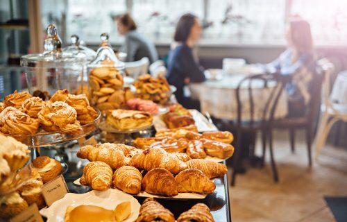 Svi volimo da doručkujemo peciva, ali postoji dobar razlog zašto NE BI TREBALO