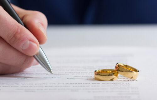 Samo da smo uradili OVO: Razvedeni ljudi otkrili šta je moglo da spase njihov BRAK