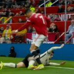 Ronaldo, sram te bilo: Portugalac u naletu besa šutirao igrača Liverpula, pa dobio samo žuti karton!