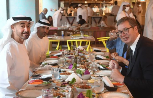 """""""Uz arapske specijalitete i dug razgovor sa PRIJATELJEM"""": Predsednik Vučić završava posetu Dubaiju (FOTO)"""