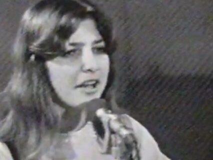 Da li je PREPOZNAJETE? Isplivao snimak naše muzičke zvezde star 50 GODINA, kada je bila devojčica (VIDEO)