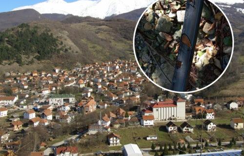 Srbi u opštini Štrpce BEZ vode, isečene cevi sekirom: Šteta preko 2.000 evra (FOTO)