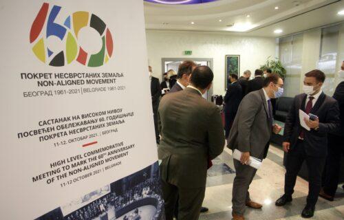 Učesnici Samita Pokreta NESVRSTANIH stigli u Beograd, među njima i Naserov sin: Dočekani na aerodromu