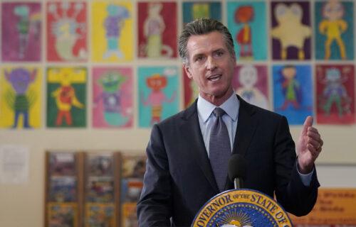 Nove MERE protiv korone: Kalifornija prva država u Americi koja uvodi OBAVEZNU vakcinaciju đaka