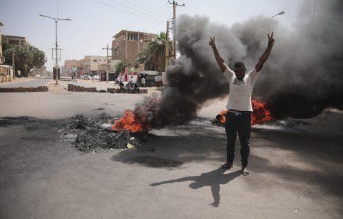 Nove tenzije u svetu: Amerika vrši pritisak na vojsku Sudana da oslobodi sve zatvorenike
