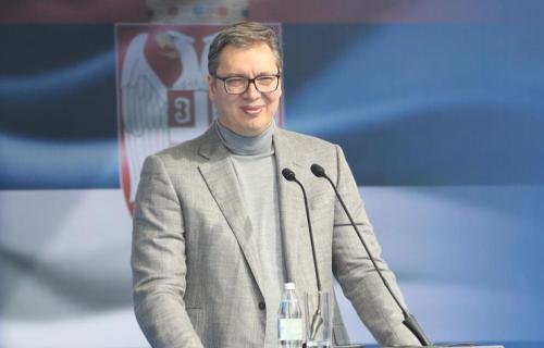 """""""Ponosan sam na rezultate koje smo ostvarili tokom svih ovih godina"""": Vučić čestitao rođendan SNS (FOTO)"""