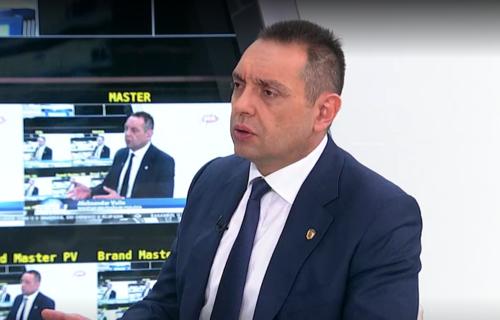 """I Vulin potvrdio: Bivše strukture u MUP i strane službe RUŠILE Vučića preko prisluškivanja i """"Jovanjice"""""""