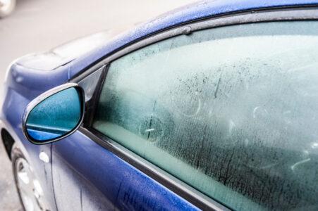 Počinje sezona zamagljenih automobilskih stakala: Ovaj jednostavan TRIK će rešiti problem UMESTO VAS