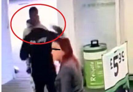 Čuvar marketa iz čista mira NOKAUTIRAO momka na ulazu, pa mu uradio nešto još potresnije (VIDEO)