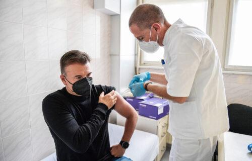 Ako su mogli Stanoje i Rikardo, možeš i ti: Trener i nekoliko fudbalera Partizana vakcinisani i treći put