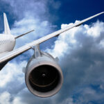 Avion ispustio fekalije u vazduhu, pa POLIO ČOVEKA u bašti: Niko ne veruje šta ga je snašlo
