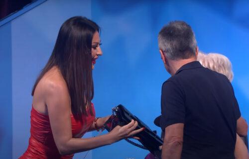 Od Cece je dobila torbu, a od Saše Popovića 50 evra: Oglasila se Novka i rekla šta joj je VELIKA ŽELJA