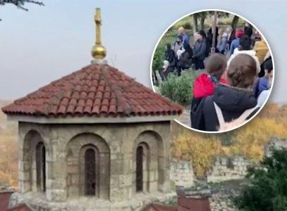 Ogroman broj VERNIKA na Kalemegdanu: Brojni građani se okupili kako bi ušli u crkvu Svete Petke