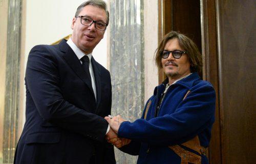 """Predsednik Vučić se zahvalio Džoniju Depu što PROMOVIŠE Srbiju: """"Hvala ti na SVEMU što činiš"""" (VIDEO)"""