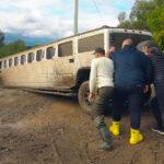 Evo kako Rusi spasavaju BRUTALNU limuzinu od propasti: Nikad luđa off-road avantura (VIDEO)