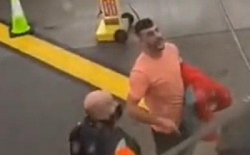 Kakva greška: Izbacili ga iz aviona, pa na SILU probao da se vrati u njega (VIDEO)