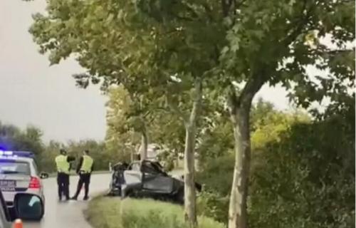 """""""Auto je bio prepolovljen, a telo unutra"""": Komšija o TRAGEDIJI u Kaću u kojoj je poginuo otac četvoro dece"""