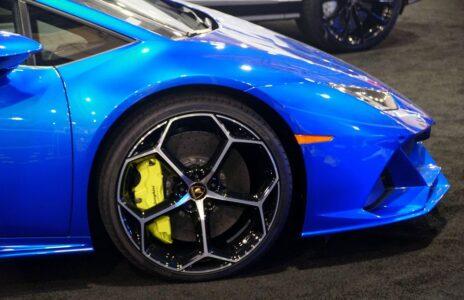Kupio je Lamborghini i požurio da uhvati trajekt: Sada se njegov automobil prodaje na policijskoj aukciji