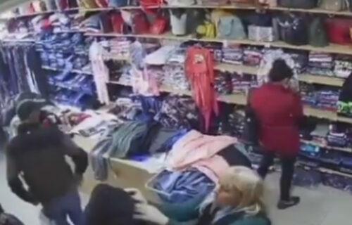 BRUKA! Lopovi snimljeni na delu u Beogradu: Evo kako muškarac i žena kradu u radnji u Borči (VIDEO)