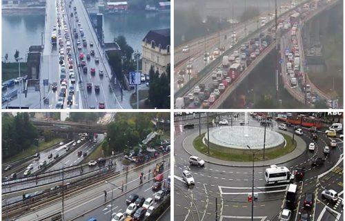 Kiša napravila KOLAPS u Beogradu: Građani treniraju živce, evo gde su najveće gužve (FOTO)