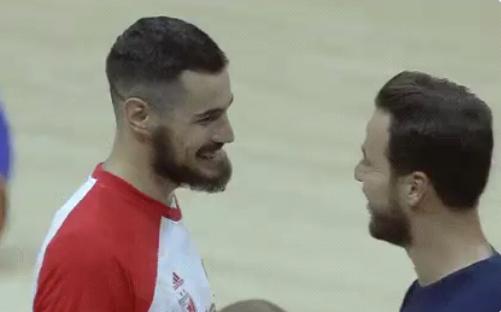 "Kalinić se vratio, usledila je hit scena: ""Moji su drugovi, biseri rasuti po celom svetu"" (VIDEO)"