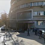 PALO HAPŠENJE! Pred zgradom niške policije dovezen džip aleksinačkih tablica: Veza sa slučajem u Moravcu?
