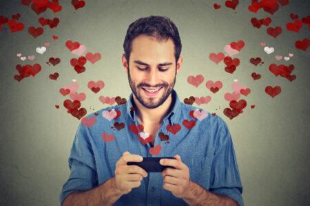 Najlepše poruke za dečka pune nežnosti i ljubavi