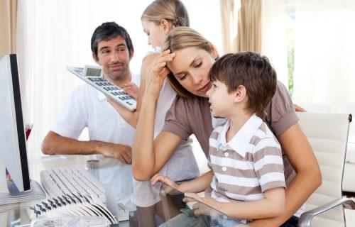Prestani da budeš toliko OSETLJIV: Pet rečenica koje roditelji NIKADA ne treba da govore deci